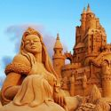 Wow Art – A Beautiful Sand Art Of A Lady & A Fort